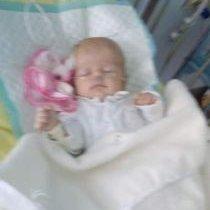 Naša Sofia chce chodiť, prosím pomôžte nám
