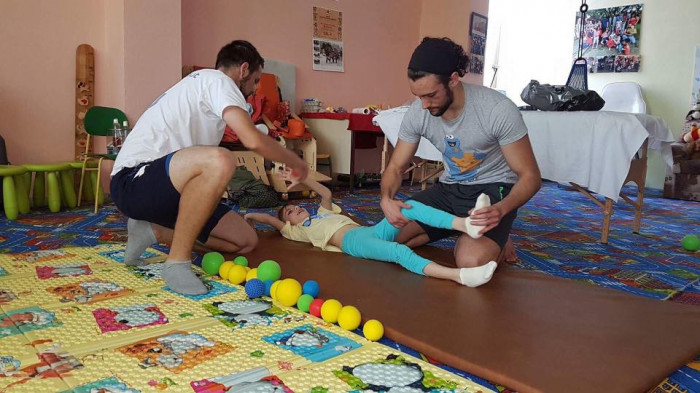 Naučme deti športovať a tým pomôžeme deťom s pohybovým hendikepom